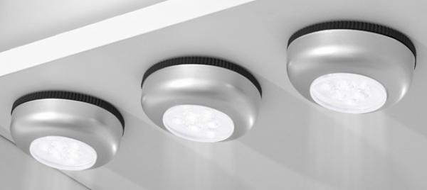 3 led leuchten von lidl ansehen. Black Bedroom Furniture Sets. Home Design Ideas