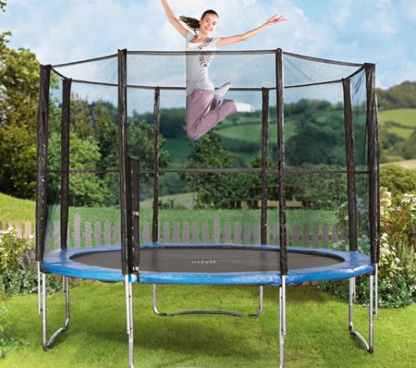 trampolin mit sicherheitsnetz von lidl ansehen. Black Bedroom Furniture Sets. Home Design Ideas