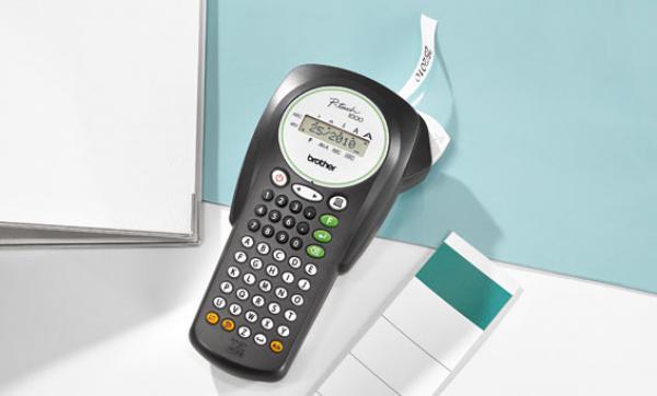 brother elektronisches beschriftungssystem p touch 1000. Black Bedroom Furniture Sets. Home Design Ideas