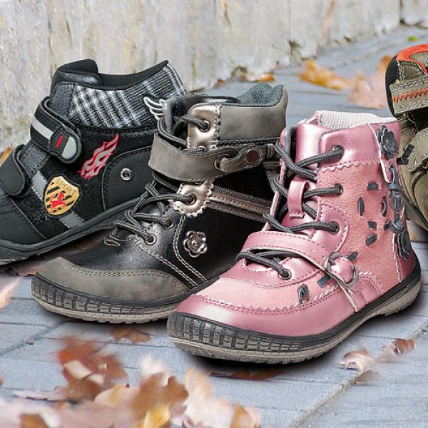 Damen Stiefel in Größe 41 sind spätestens im Herbst und Winter ein gefragtes und unverzichtbares Schuhwerk. Mit einem hohen, bis knapp unter Knie reichenden Schaft, schützen Stiefel Fuß, Wade und Schienbein optimal. Die robuste Schuhmode ist meistens in Leder gearbeitet.