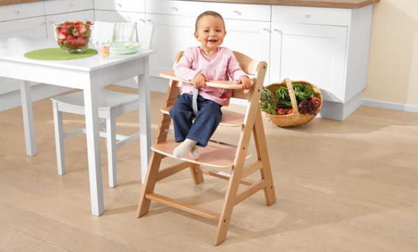 hauck kinderhochstuhl alpha von lidl ansehen. Black Bedroom Furniture Sets. Home Design Ideas