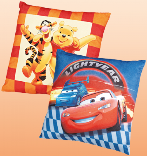 disney cars winnie the pooh pl sch kissen von penny markt ansehen. Black Bedroom Furniture Sets. Home Design Ideas