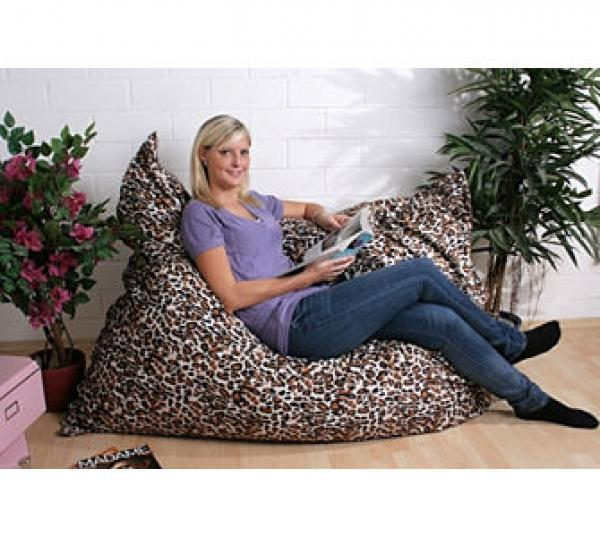 riesen sitzsack fell imitat leopard 420 liter von ansehen. Black Bedroom Furniture Sets. Home Design Ideas