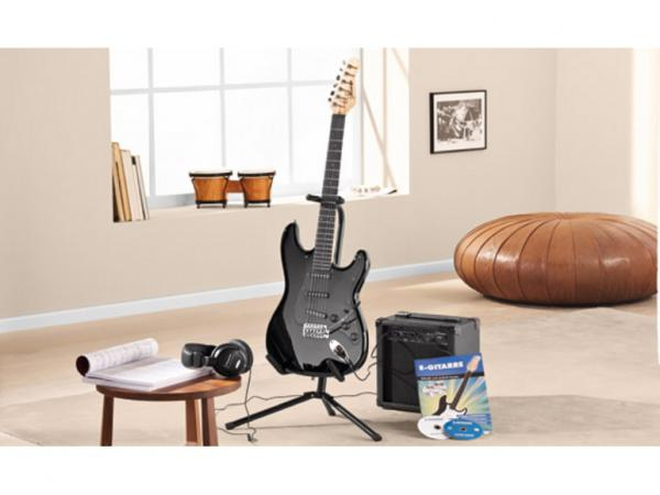 axman e gitarren set 15 teilig von lidl ansehen. Black Bedroom Furniture Sets. Home Design Ideas