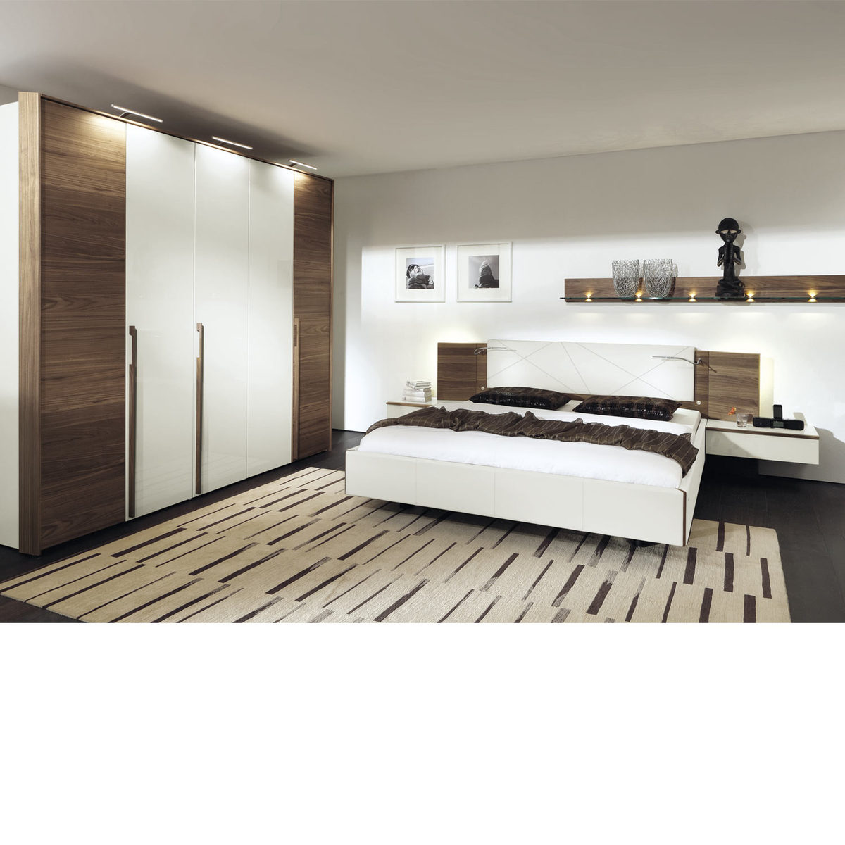 h lsta schlafzimmer cutaro kernnussbaum furniert von hardeck ansehen. Black Bedroom Furniture Sets. Home Design Ideas