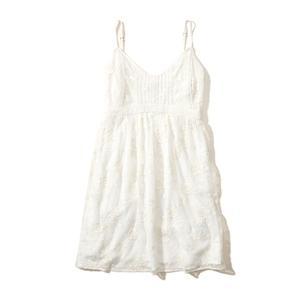 Besticktes Babydoll-Kleid mit Netzstoff