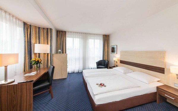 novum hotel mariella airport k ln von netto reisen f r 69. Black Bedroom Furniture Sets. Home Design Ideas