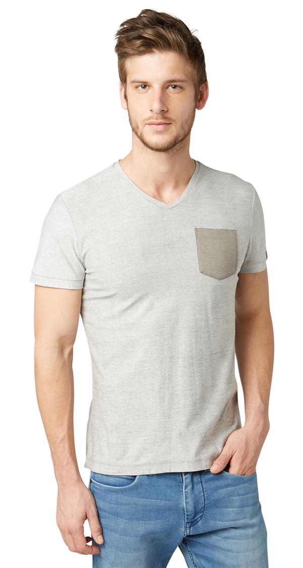 t shirt mit farbiger brusttasche von tom tailor f r 12 99. Black Bedroom Furniture Sets. Home Design Ideas
