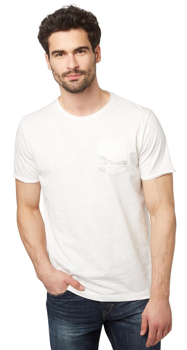 t shirt mit print auf brusttasche von tom tailor f r 7 99. Black Bedroom Furniture Sets. Home Design Ideas