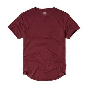 Must-have-T-Shirt mit eingekerbtem Ausschnitt