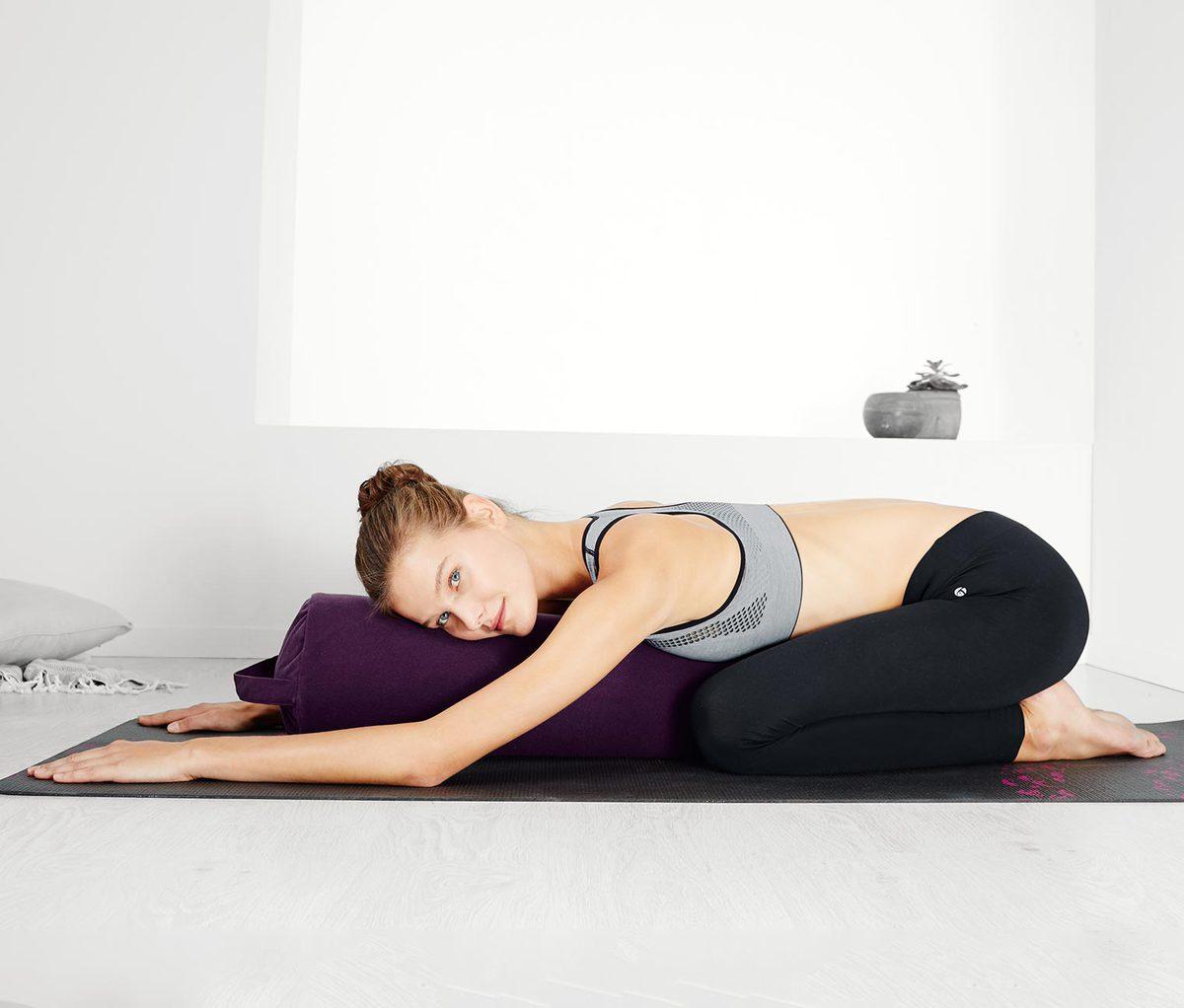 aufblasbares yoga und pilates bolster von tchibo ansehen. Black Bedroom Furniture Sets. Home Design Ideas