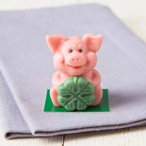 Marzipan Glücksschwein mit Kleeblatt 28g 10,68 € / 100g