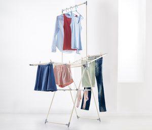Platzsparender Wäscheständer
