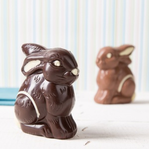 Schokoladen-Sitzhase Zartbitter-Schokolade 75g 5,31 € / 100g