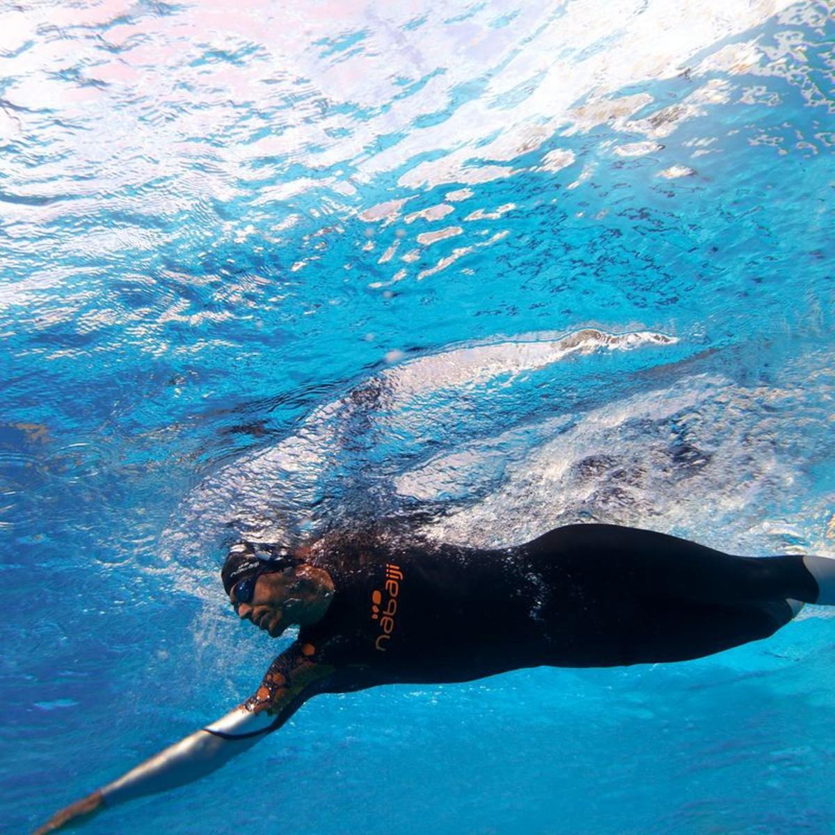 Bild 5 von Schwimmanzug Neopren OWS550 4/3 mm Freiwasserschwimmen Damen NABAIJI
