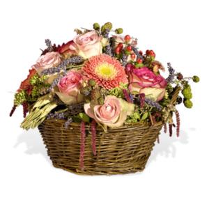 Beeriger Blütenkorb - | Fleurop Blumenversand
