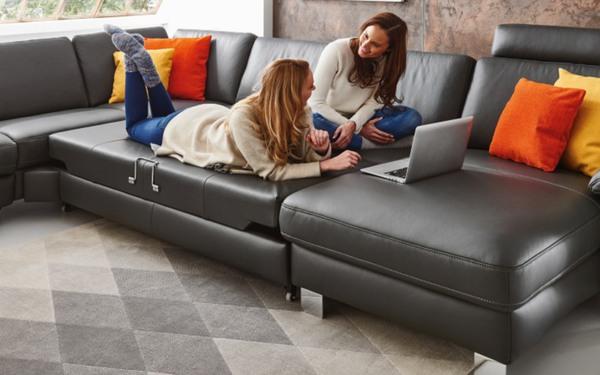 Hukla - Wohnlandschaft Sofa Concept in schwarz von HARDECK ansehen!