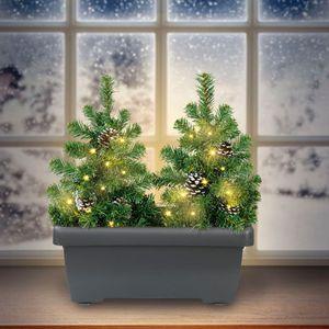 LED-Tannenbäume mit Blumenkasten