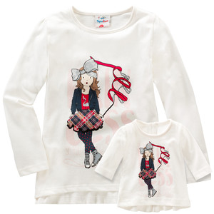 Mädchen-Langarmshirt und Puppenshirt