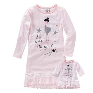 Mädchen-Nachthemd und Puppenshirt