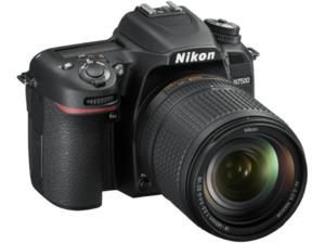 NIKON D7500 Kit Spiegelreflexkamera, 20.9 Megapixel, 4K/UHD, CMOS Sensor, WLAN, 18-140 mm Objektiv (AF-S, DX, ED, VR), Autofokus, Touchscreen, Schwarz