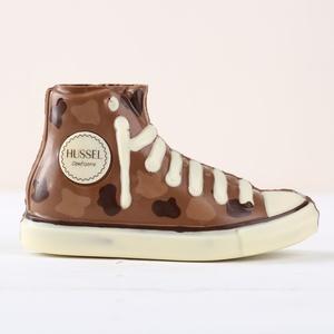 Schoko-Sneaker aus Vollmilch-Schokolade mit Flecken 160g 6,19 € / 100g