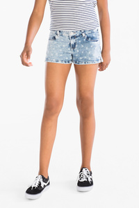Here and There         Jeansshorts