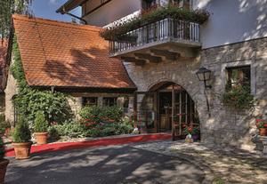 Deutschland - Fränkisches Weinland  BEST WESTERN Hotel Polisina