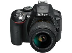 NIKON D5300 Kit Spiegelreflexkamera, 24.2 Megapixel, HD, CMOS Sensor, WLAN, 18-55 mm Objektiv (AF-P, VR), Autofokus, Schwarz