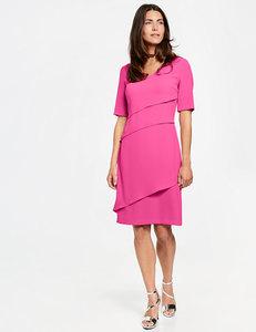 Kleid mit Stufen