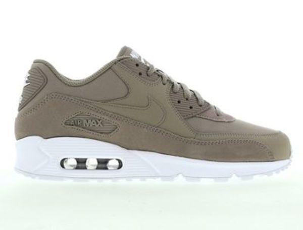 0400c45d29ba8 Nike Air Max 90 Essential - Herren Schuhe von Foot Locker ansehen ...