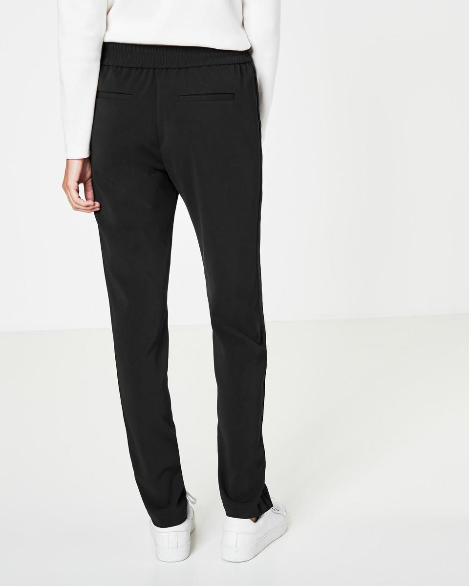 Bild 4 von Track-Pants mit Bügelfalten