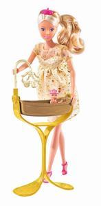 Steffi als schwangere Prinzess