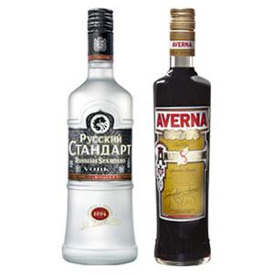 Averna Amaro oder Russian Standard 29/40 % Vol.,  jede 0,7-l-Flasche