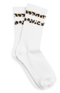 Socken mit Leopardenstreifen