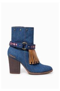 Folk Exotic Denim  Stiefel
