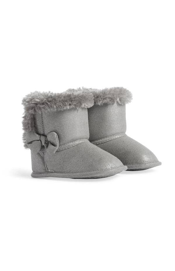 separation shoes b9ebd ce491 Graue Stiefel für Babys (M)