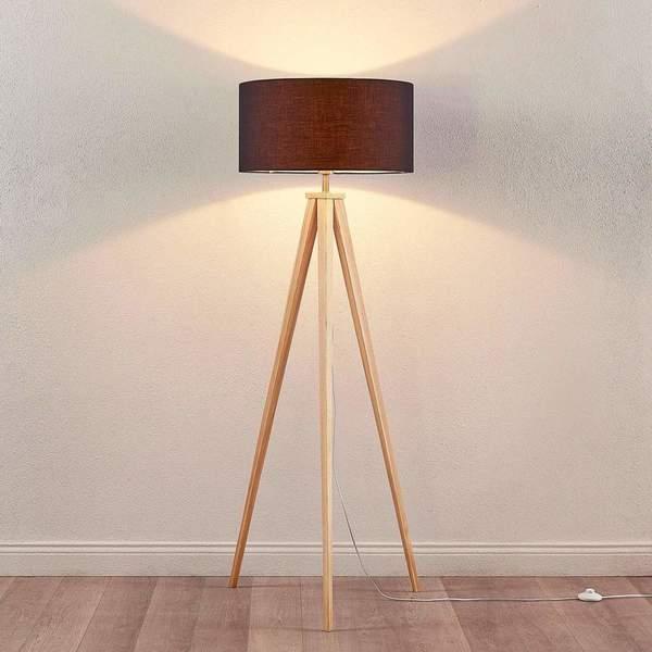 dreibein stehlampe mya holz textilschirm schwarz. Black Bedroom Furniture Sets. Home Design Ideas