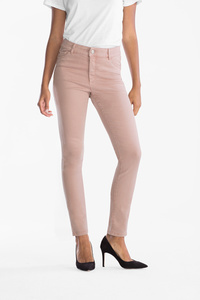 Yessica         Jeans