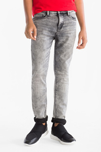 Here and There         THE SKINNY JEANS - Thermojeans