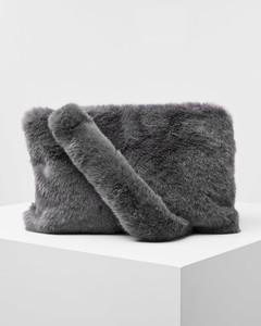 Fake-Fur-Tasche