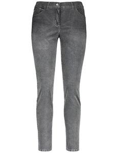 Jeans mit Bleach Effekten