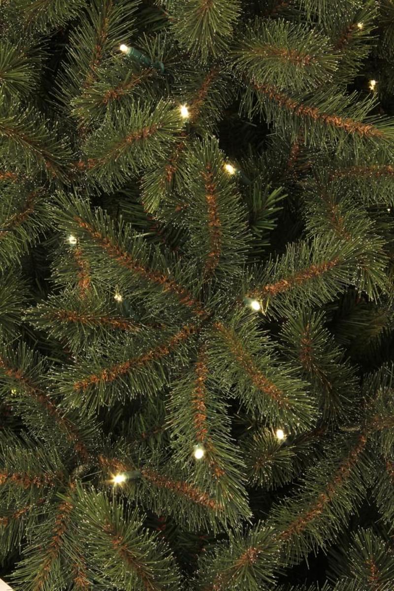 Bild 2 von Toronto Weihnachtsbaum led Delux gruen 140L TIPS 392 - h120xd97cm