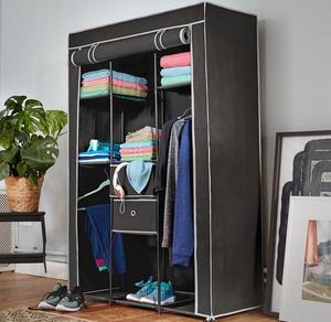 Kleiderschrank mit viel Stauraum, ca. 105x45x158cm
