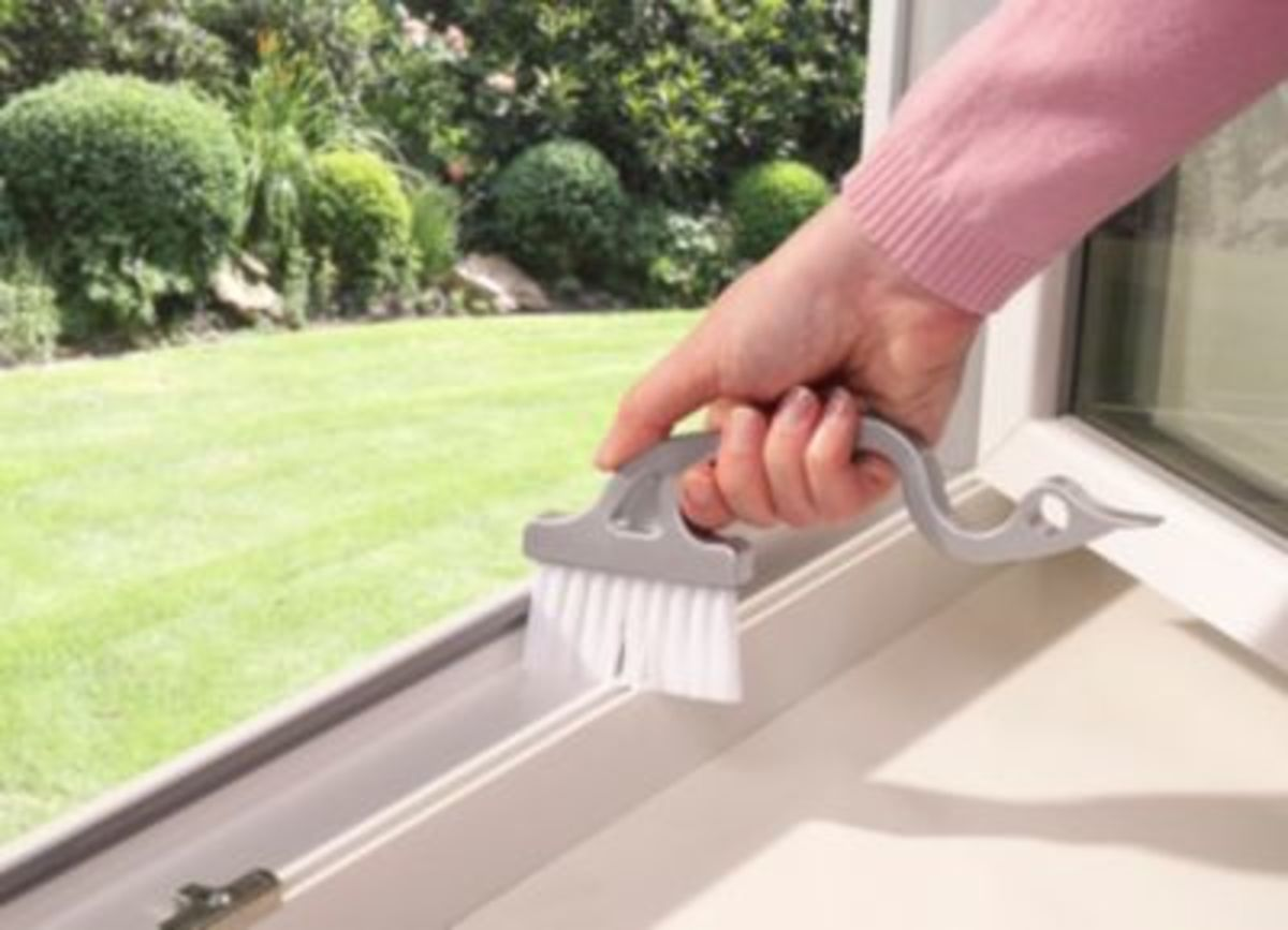 Bild 1 von Fensterrahmenbürste