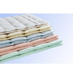 Daunenbettdecke, »Überraschungspaket«, Haeussling, warm, Füllung: 90% Daunen, 10% Federn, Bezug: 100% Baumwolle, (1-tlg)