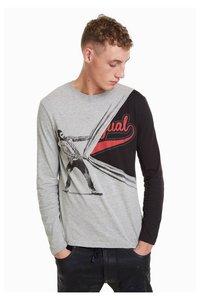 Eliseo T-Shirt