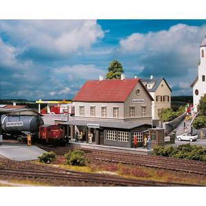 PIKO Hobby 61820 Bahnhof Burgstein