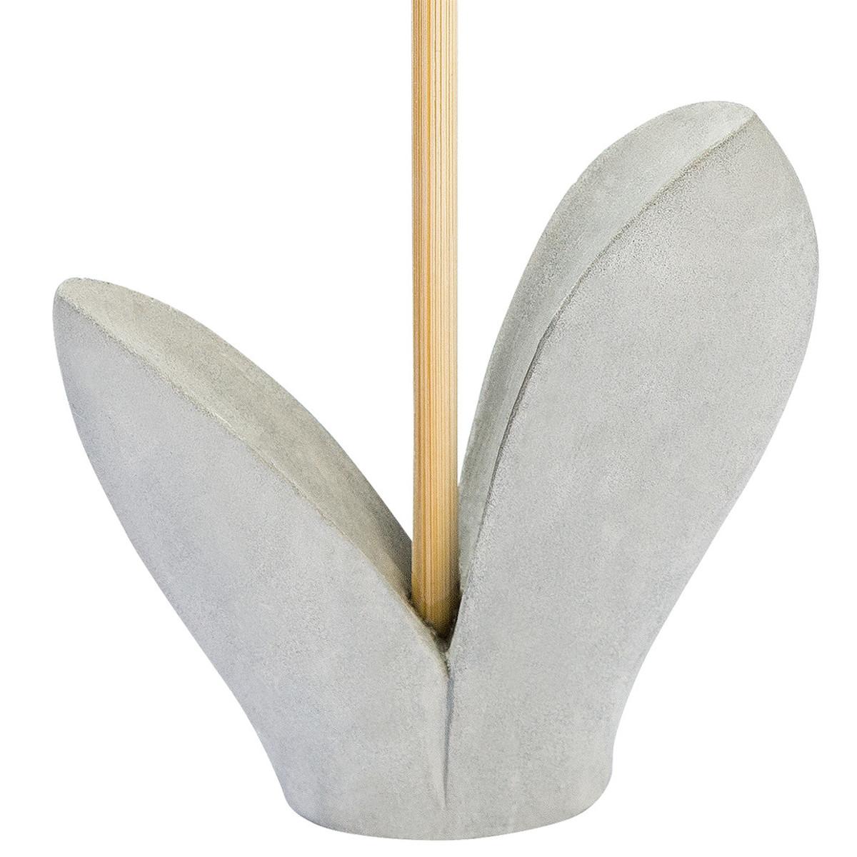Bild 3 von Deko-Blume mit Zementfuß