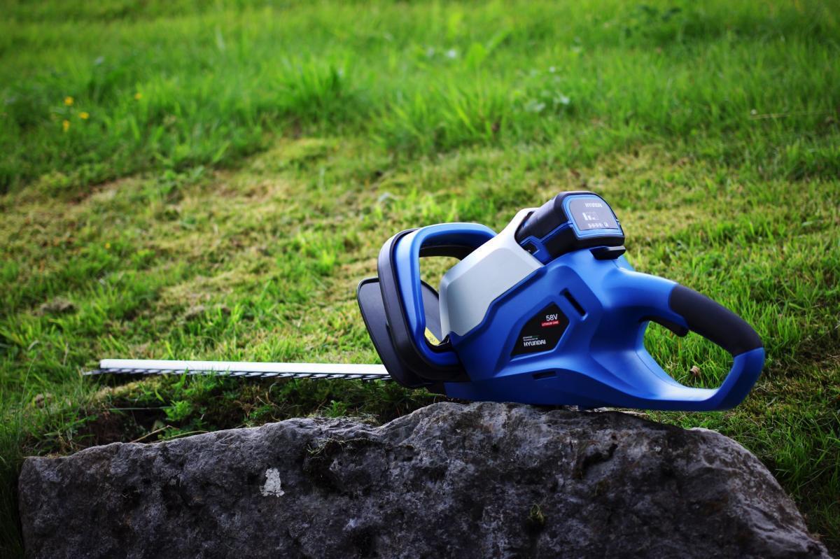 Bild 5 von HYUNDAI Akku-Heckenschere HT6001 58LI SET